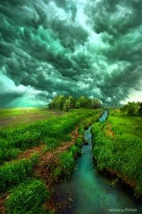 horizon green creek and sky