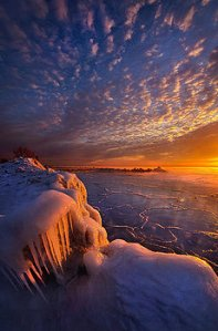 horizons fifty-shades-of-sunrise-phil-koch