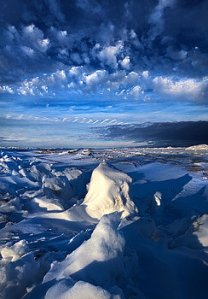 horizon ice-cold-blue-phil-koch